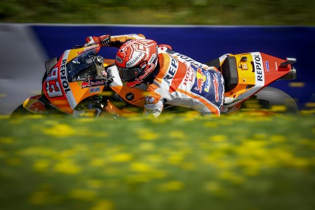Chặng 11 MotoGP 2019: Dovizioso có chiến thắng nghẹt thở trước Marquez - 3