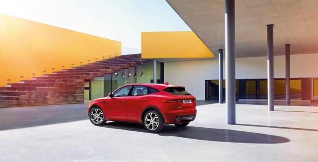 Crossover của Jaguar Land Rover có thể dùng khung gầm BMW - 1
