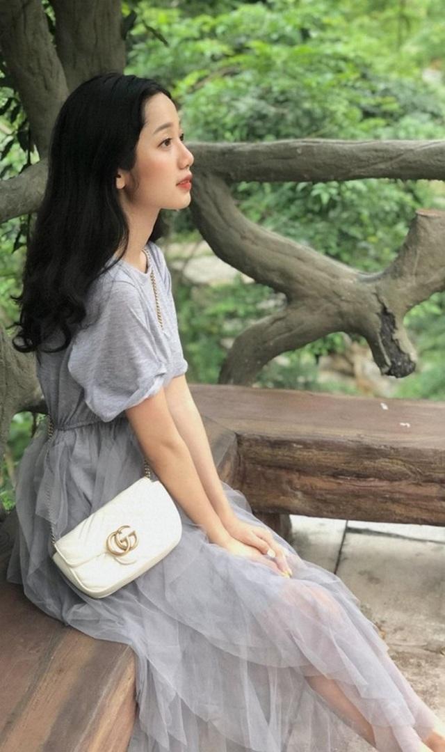 """Nữ sinh Lào Cai xinh đẹp, được ví như """"thiên thần ảnh thẻ"""" - 9"""