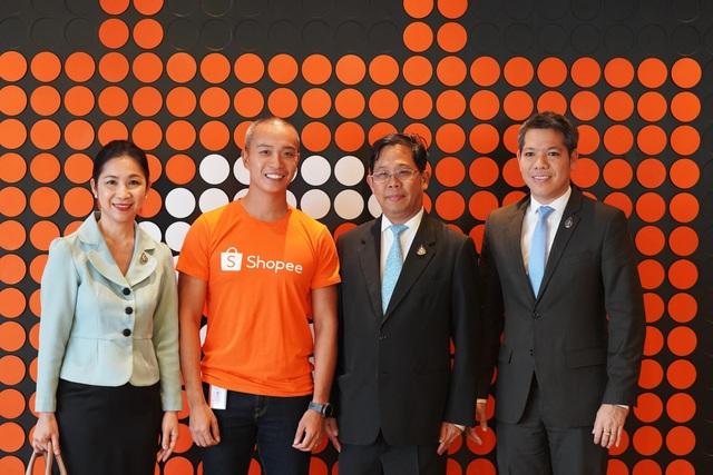 Tổng lãnh sự quán Thái Lan cùng hơn 30 doanh nghiệp ghé thăm Shopee Việt Nam - 1