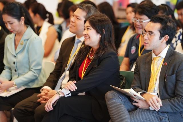 Tổng lãnh sự quán Thái Lan cùng hơn 30 doanh nghiệp ghé thăm Shopee Việt Nam - 2