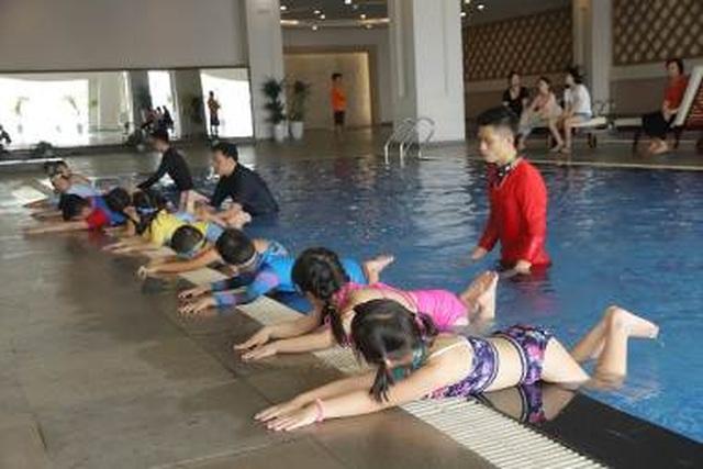 """Cư dân nhí trải nghiệm mùa hè """"cực đã"""" tại bể bơi Vinhomes - 3"""