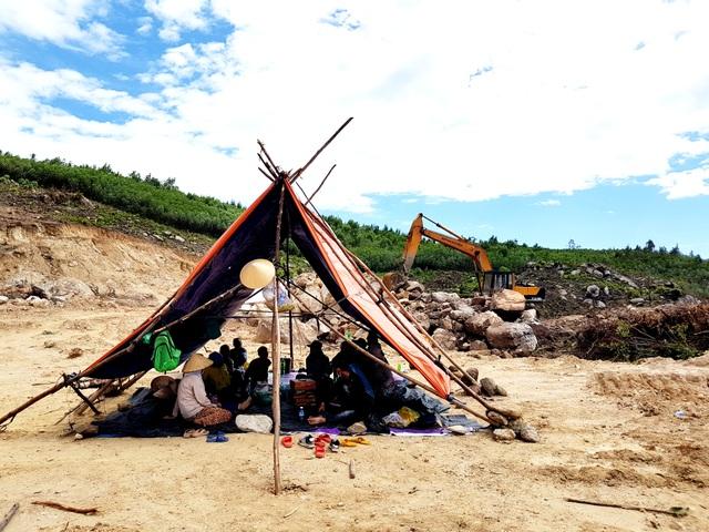 Dân dựng lều phản đối nhà máy đốt rác