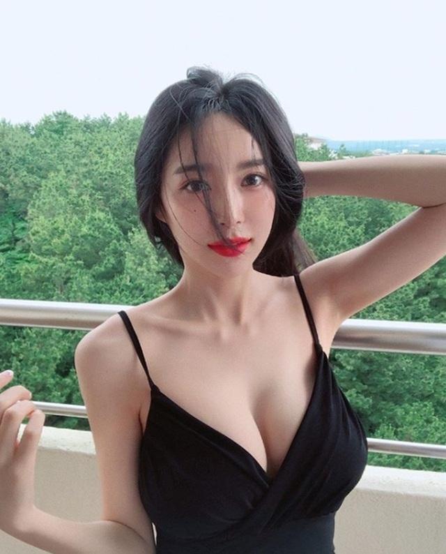 Hai cô gái Hàn sở hữu đường cong siêu thực đốn tim mày râu, bí quyết là gì? - 18
