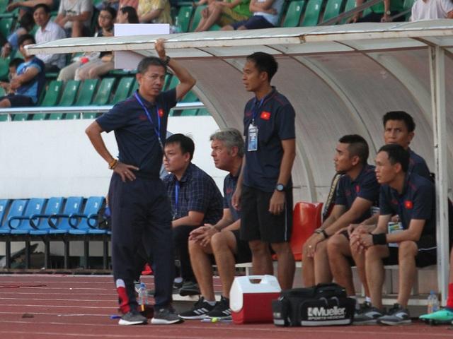Bị loại khỏi giải U18 Đông Nam Á, HLV Hoàng Anh Tuấn từ chức - 1