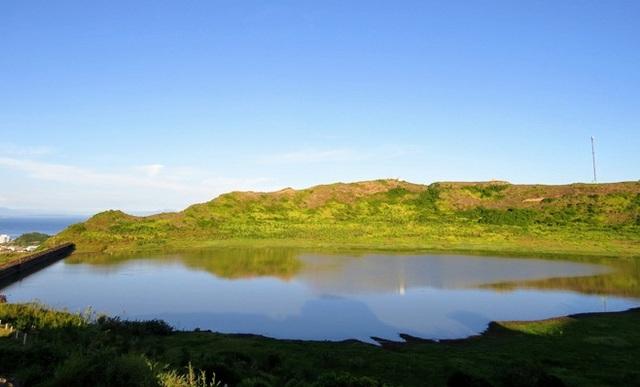 Quảng Ngãi: Đề nghị công nhận núi lửa triệu năm tuổi là di tích Quốc gia - 2