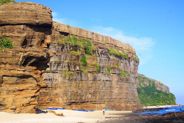 Quảng Ngãi: Đề nghị công nhận núi lửa triệu năm tuổi là di tích Quốc gia - 3