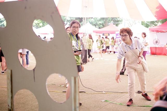 Học sinh Hà Nội hào hứng tham gia hội chợ Bảo vệ môi trường - 7