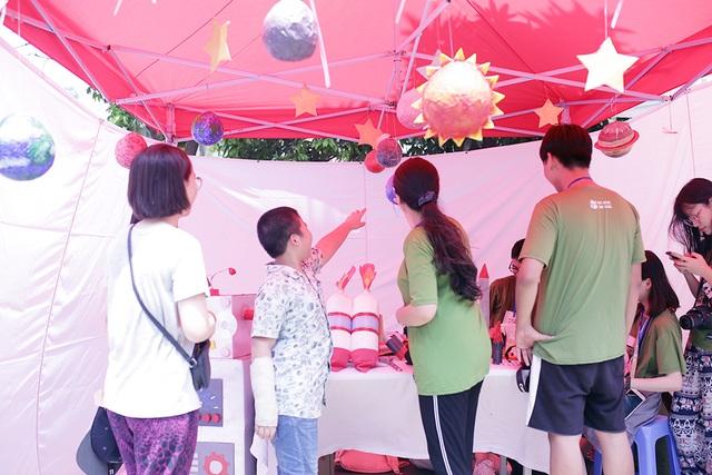 Học sinh Hà Nội hào hứng tham gia hội chợ Bảo vệ môi trường - 4