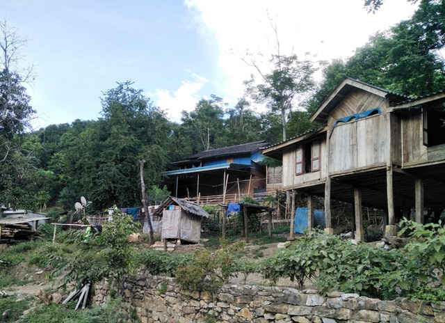 Đỉnh đồi nứt đôi, đe dọa vùi lấp hơn 40 nhà dân - 3