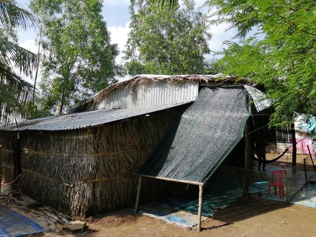 Xót thương cảnh vợ chồng Út Nhớ ôm con thơ trong lều bạt vượt qua cơn bão số 3 - 2