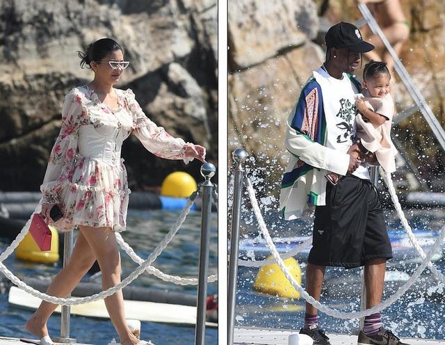 Kylie Jenner duyên dáng đi chơi cùng bạn trai - 6