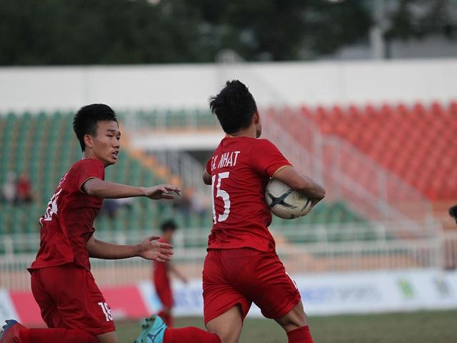 Những khoảnh khắc U18 Việt Nam bất lực trong trận thua sốc trước Campuchia - 8