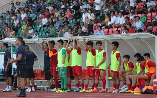 Những khoảnh khắc U18 Việt Nam bất lực trong trận thua sốc trước Campuchia - 14