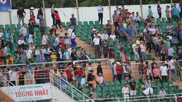 Những khoảnh khắc U18 Việt Nam bất lực trong trận thua sốc trước Campuchia - 16