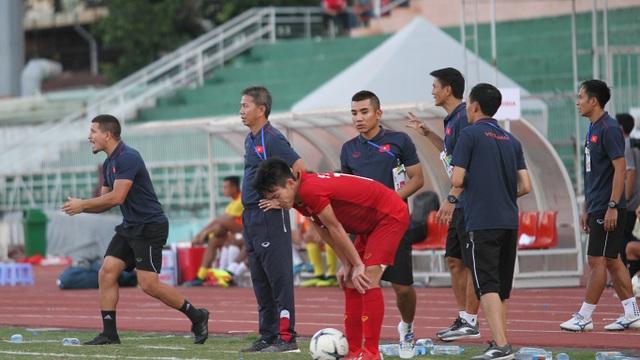 Những khoảnh khắc U18 Việt Nam bất lực trong trận thua sốc trước Campuchia - 13