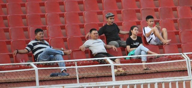 Những khoảnh khắc U18 Việt Nam bất lực trong trận thua sốc trước Campuchia - 11