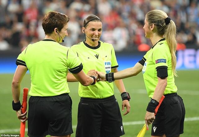 Những khoảnh khắc chiến thắng của Liverpool ở Siêu cúp châu Âu - 3