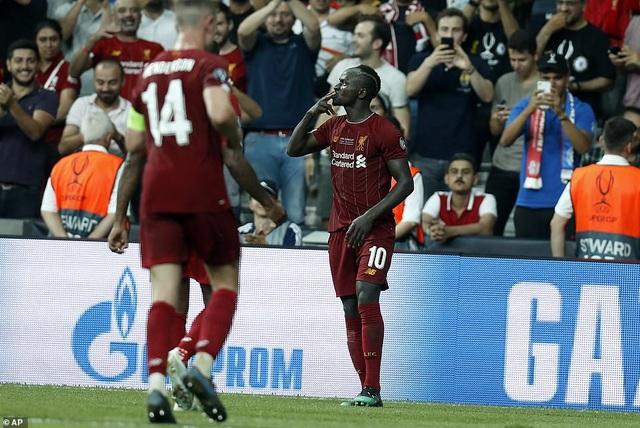 Những khoảnh khắc chiến thắng của Liverpool ở Siêu cúp châu Âu - 13