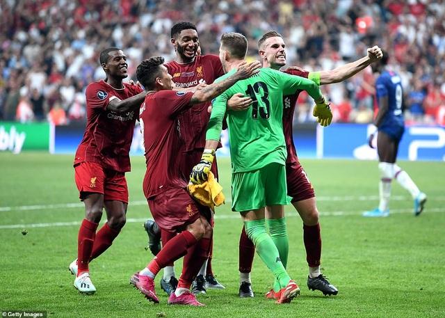 Những khoảnh khắc chiến thắng của Liverpool ở Siêu cúp châu Âu - 17