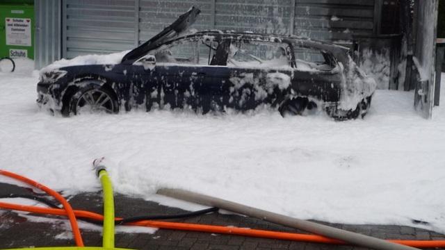 Một phụ nữ suýt thiêu rụi cả trạm xăng vì trót bơm nhầm xăng vào xe máy dầu - 1