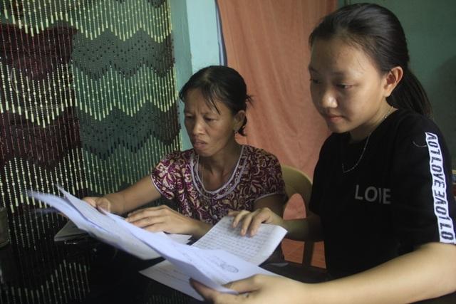 Khát khao trở thành cô giáo, nữ sinh nhà nghèo nuôi gà, bán cà phê gom góp tiền công để nhập học - 3