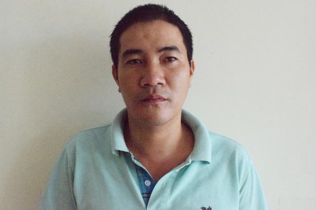 Hai sinh viên Lào cảm ơn Công an Việt Nam khi nhận lại tài sản bị đánh cắp - 1