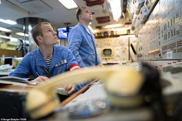 Cuộc sống nhà binh bên trong tàu ngầm lớn nhất thế giới của Nga - 12