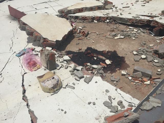 Hai công nhân bị tường đổ đè chết thảm - 2