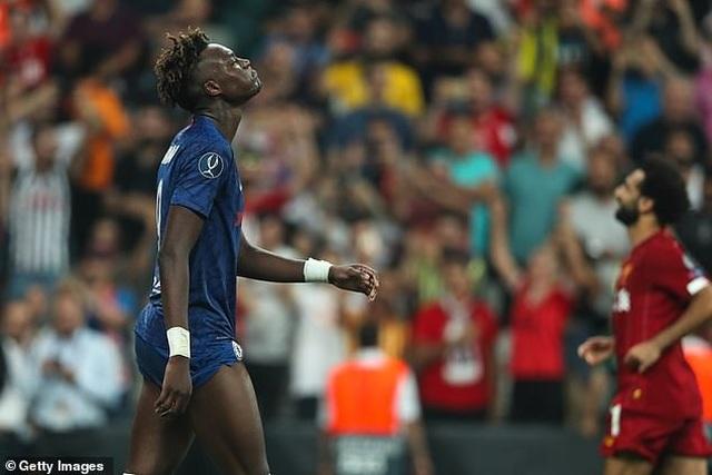 Cầu thủ Abraham bị dọa giết sau khi đá hỏng luân lưu ở Siêu cúp châu Âu - 2