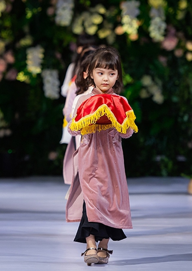 """Quán quân Mai Giang """"tái xuất"""", toả sáng trình diễn áo dài cùng Hoa hậu Myanmar - 11"""