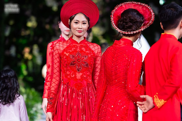 """Quán quân Mai Giang """"tái xuất"""", toả sáng trình diễn áo dài cùng Hoa hậu Myanmar - 1"""