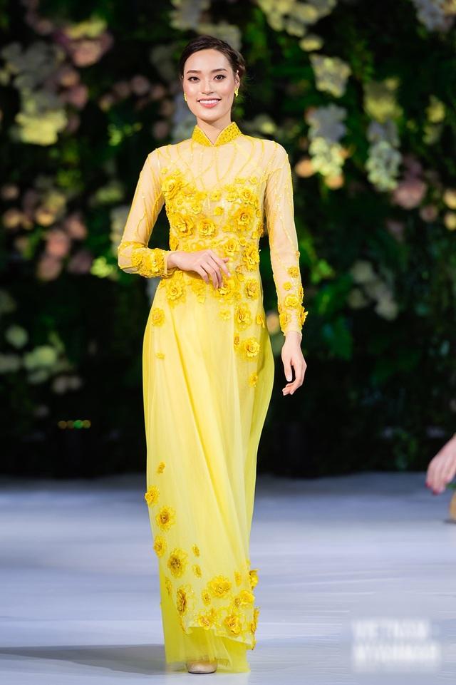 """Quán quân Mai Giang """"tái xuất"""", toả sáng trình diễn áo dài cùng Hoa hậu Myanmar - 13"""