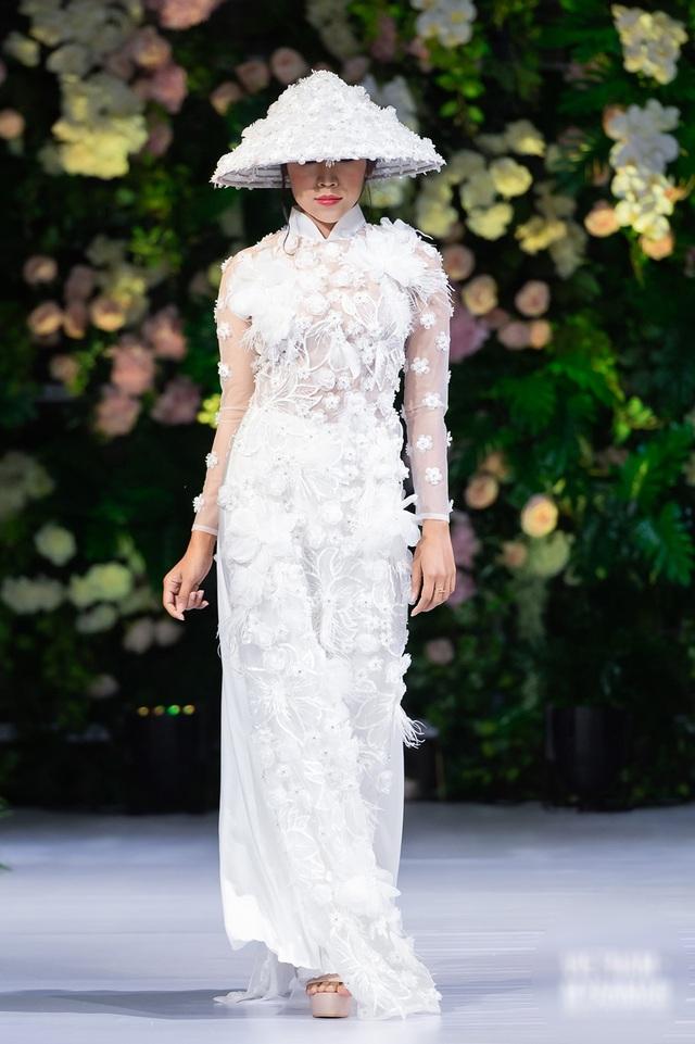 """Quán quân Mai Giang """"tái xuất"""", toả sáng trình diễn áo dài cùng Hoa hậu Myanmar - 12"""