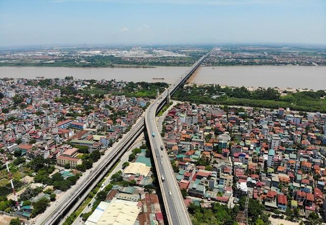 Hà Nội: Hiện trạng mặt đường cầu Thăng Long xuống cấp thảm hại - 1
