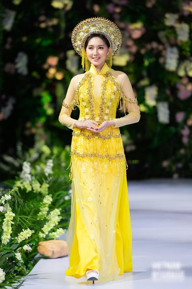 """Quán quân Mai Giang """"tái xuất"""", toả sáng trình diễn áo dài cùng Hoa hậu Myanmar - 7"""