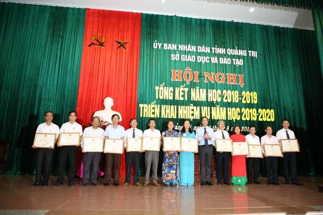 Phó Chủ tịch tỉnh Quảng Trị yêu cầu ngành Giáo dục quản lý công tác thu chi, chấm dứt tình trạng lạm thu - 1