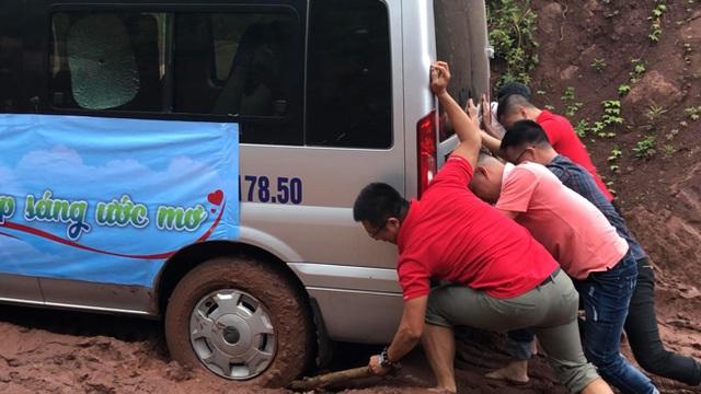 Báo Dân trí vượt hàng trăm cây số xây phòng học tặng các em học sinh dân tộc Dao - 3