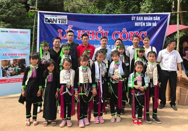 Báo Dân trí vượt hàng trăm cây số xây phòng học tặng các em học sinh dân tộc Dao - 9