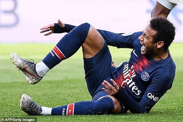 Nhật ký chuyển nhượng ngày 16/8: Barca và Real Madrid lo ngại Neymar chấn thương trở lại - 1