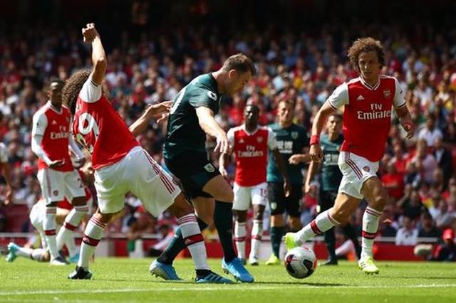 "Arsenal 2-1 Burnley: ""Song sát"" Lacazette - Aubameyang tỏa sáng - 9"