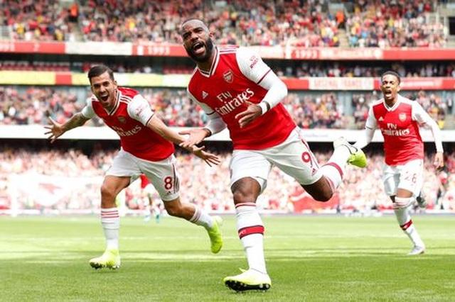"Arsenal 2-1 Burnley: ""Song sát"" Lacazette - Aubameyang tỏa sáng - 4"