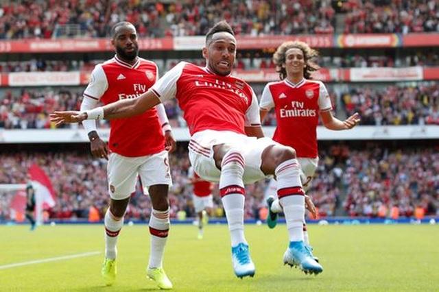 "Arsenal 2-1 Burnley: ""Song sát"" Lacazette - Aubameyang tỏa sáng - 1"