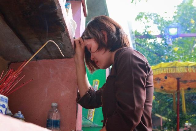Người Hà Nội đi tảo mộ thú cưng, khóc nức nở trước di ảnh vật nuôi - 9