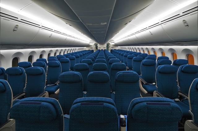 """Cận cảnh """"siêu máy bay"""" Boeing 787-10 Dreamliner đầu tiên về Việt Nam - 4"""
