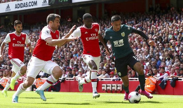 "Arsenal 2-1 Burnley: ""Song sát"" Lacazette - Aubameyang tỏa sáng - 12"