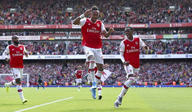 "Arsenal 2-1 Burnley: ""Song sát"" Lacazette - Aubameyang tỏa sáng - 13"