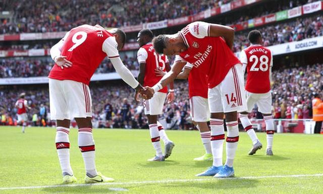 "Arsenal 2-1 Burnley: ""Song sát"" Lacazette - Aubameyang tỏa sáng - 15"