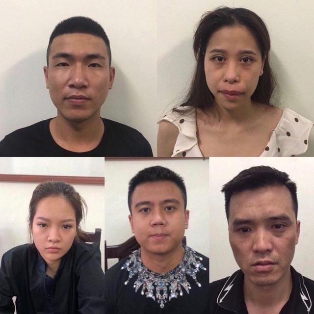 Hà Nội: Đột kích quán Hey Club, phát hiện có súng và bắt quả tang 54 người dương tính ma túy - 2