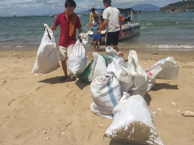 Đà Nẵng: Lần đầu tiên ra quân dọn rác dưới đáy biển - 5